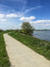 Cycle path along the Ijsselmeer