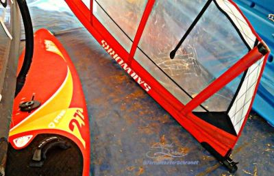 red-sail-and-board